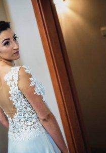 Pani Patrycja w sukni marki Vanessa - model 1610.