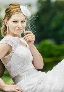 Pani Karolina w sukni z kolekcji Fulara&Żywczyk - model BALI