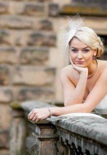 Pani Martyna w sukni z kolekcji Fulara & Żywczyk - model Beatrice