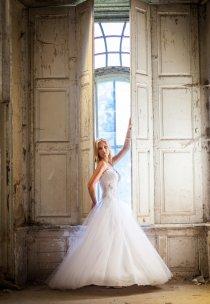 Pani Martyna w sukni z kolekcji Vanessa - model 1211