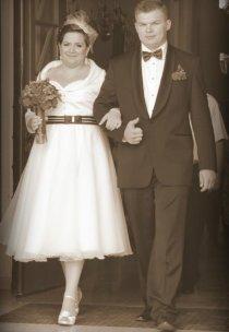 I mamy przepiękną suknię ślubną w stylu lat 60-tych. Gratulacje dla pomysłowej Pani Anetki