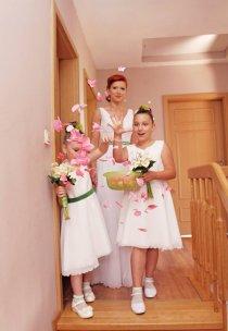 Pani Łucja zamówiła dodatkowo sukieneczki dla swoich druchen :) na wzór jej własnej